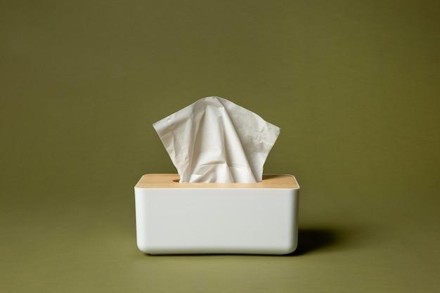 비강 흰색 손수건 배열