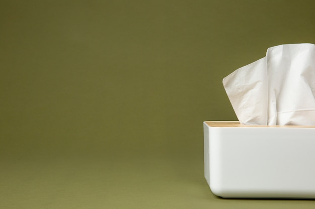 Носовой белый носовой платок