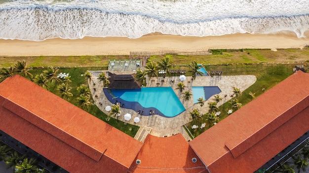 Natal, rio grande do norte, brazil - 2021년 3월 12일: aram praia marina 호텔의 항공 이미지