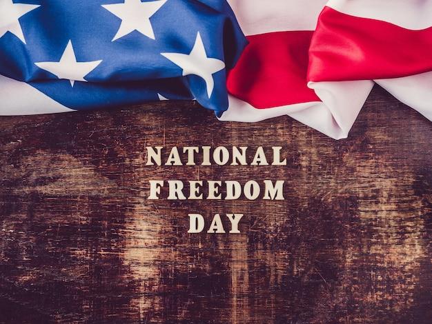 전국 자유의 날. 아름답고 밝은 인사말 카드