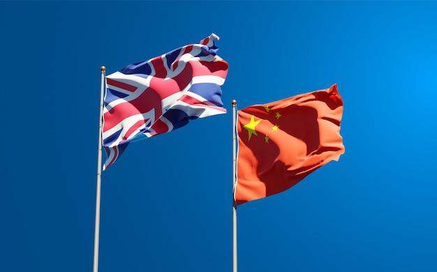 Национальные государственные флаги великобритании и китая вместе