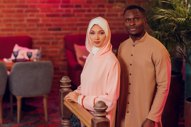 国民の結婚式。新郎新婦。結婚式中のイスラム教徒のカップルの結婚式。イスラム教徒の結婚。
