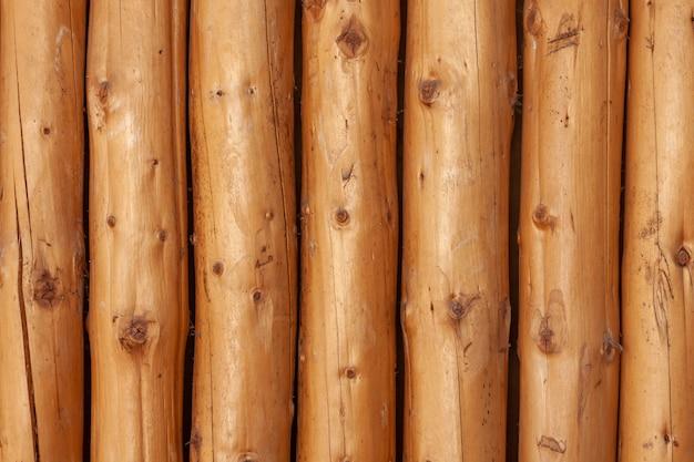 丸太の壁の自然な背景パターン。テクスチャ。