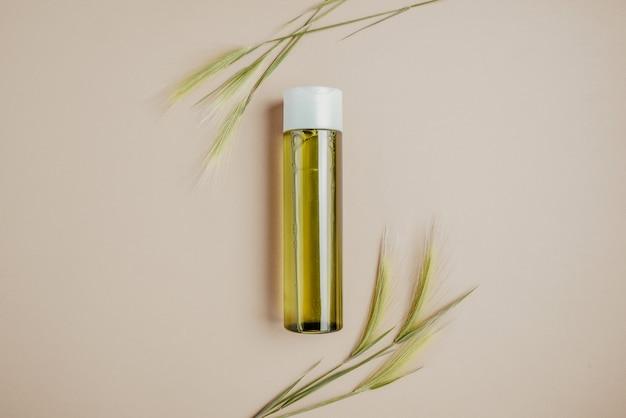 自然化粧品、髪とスキンケアのための美容液。