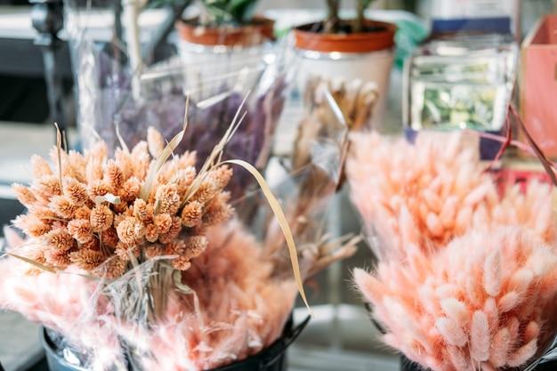 Букет из натуральных сушеных цветов lagurus ovatus с цветным хвостом кролика сушеные цветы пампаса в цветке