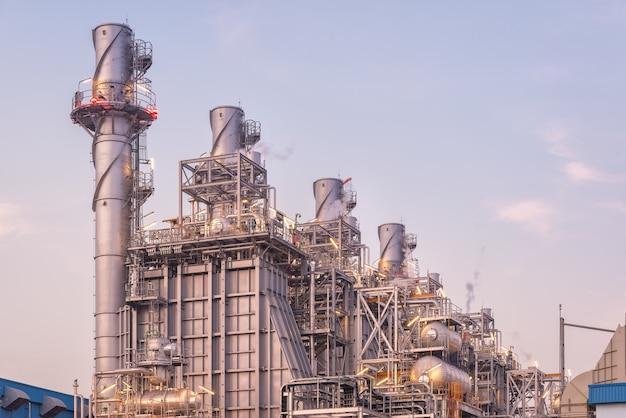 天然ガスコンバインドサイクル発電所とタービン発電機