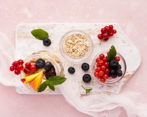 Натуральные здоровые десерты на ткани
