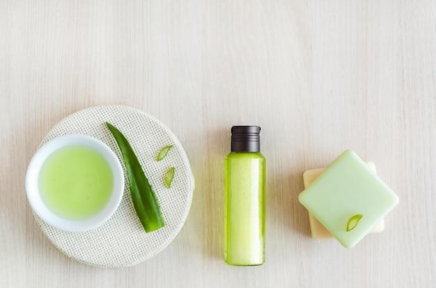 Натуральная травяная косметика с ингредиентом алоэ вера