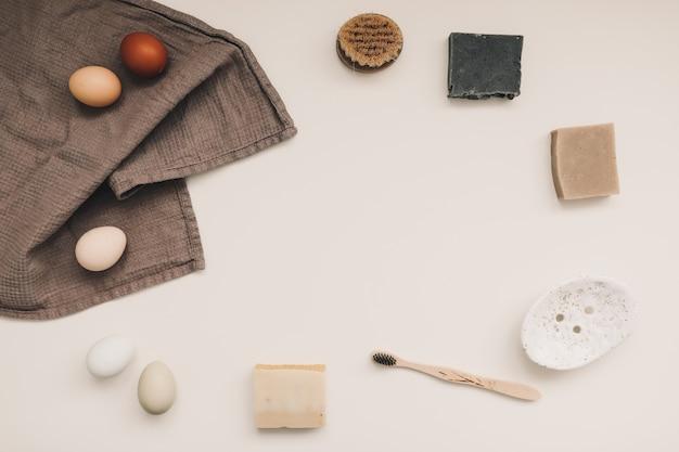 Натуральные средства гигиены, домашнее мыло, льняное полотенце, экологически чистый образ жизни, концепция безотходности.