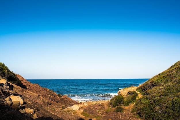 Природный ландшафт прибрежного городка на майорке
