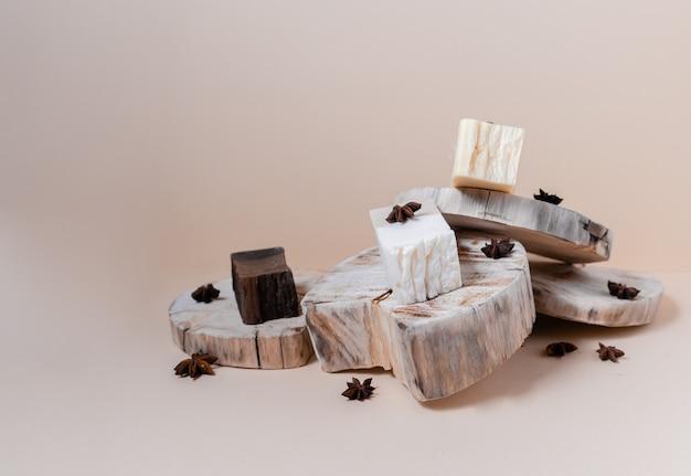 自然な有機性シャンプーの石鹸。