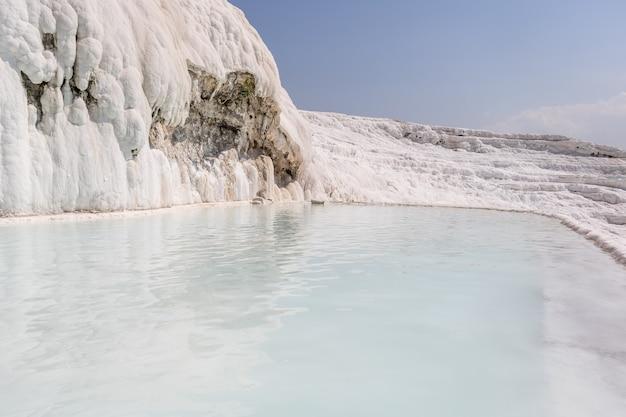 トルコのパムッカレの天然プール