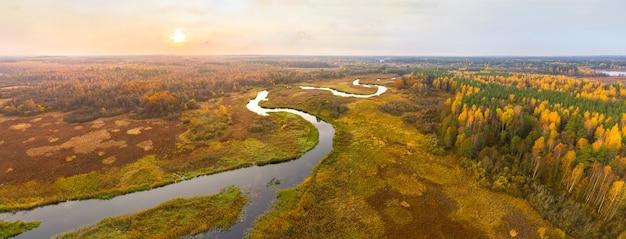 鳥瞰図から見た自然保護区シンシャ(ベラルーシ)