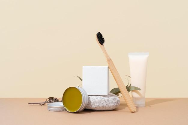 Composizione di prodotti naturali per la cura di sé