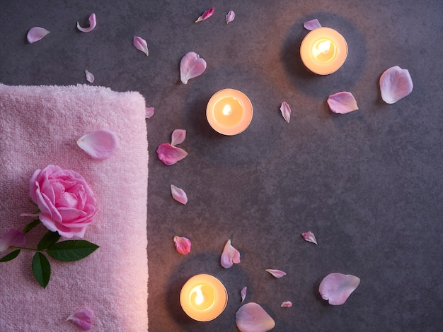Natural spa composition with roses Premium Photo