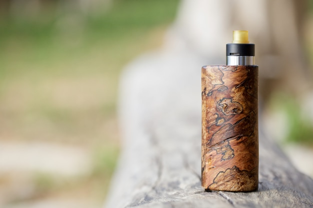 Natural stabilized wood box mods with rebuildable dripping atomizer, vaping device