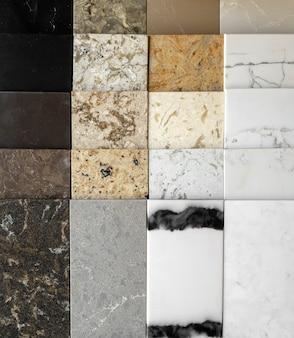 キッチンカウンターや床の天然石の質感