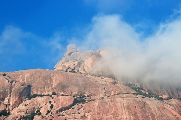 サウジアラビアのヒジャーズ山脈の自然