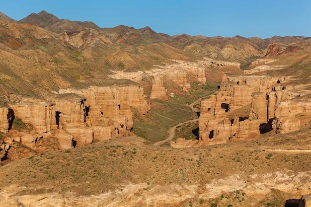 Природа казахстана чарынский каньон, чарынский каньон в казахстане. долина замков.