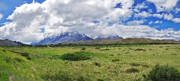 칠레 파타고니아의 토레스 델 페인 국립 공원의 자연