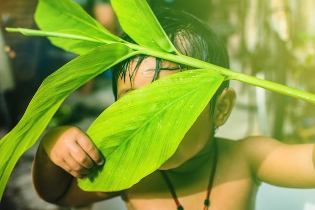 Природа дождь купание ребенок