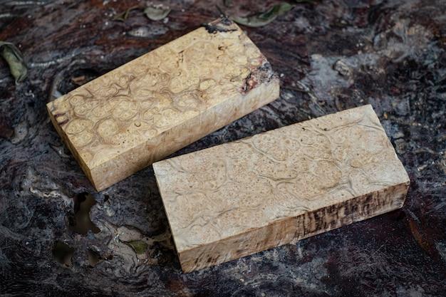 クラフトアートや背景の自然木材メープルバール木材ストライプエキゾチックな木製の美しいパターン