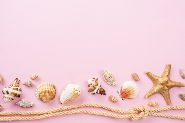 Corda nautica con crostacei