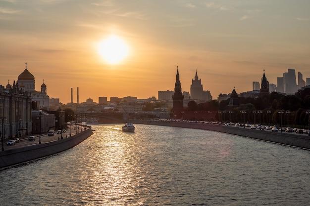 Судоходство по москве-реке