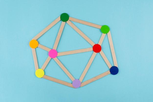 Концепция сети с красочными точками сверху