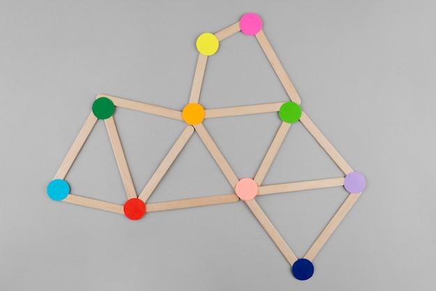 Concetto di rete con punti colorati sopra vista