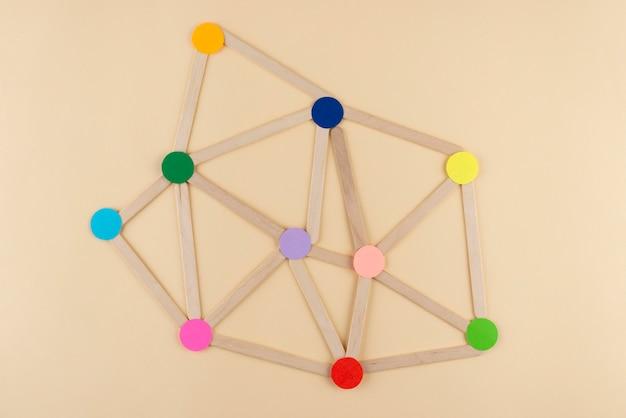 Concetto di rete con punti colorati