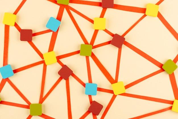カラフルな正方形の上面図とネットワークの概念