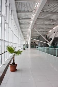 首都の主要空港にある新しい6000万ユーロ(8400万米ドル)の第2ターミナル