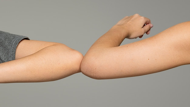 개인 위생을위한 팔꿈치 돌출부가있는 새로운 일반 인사말