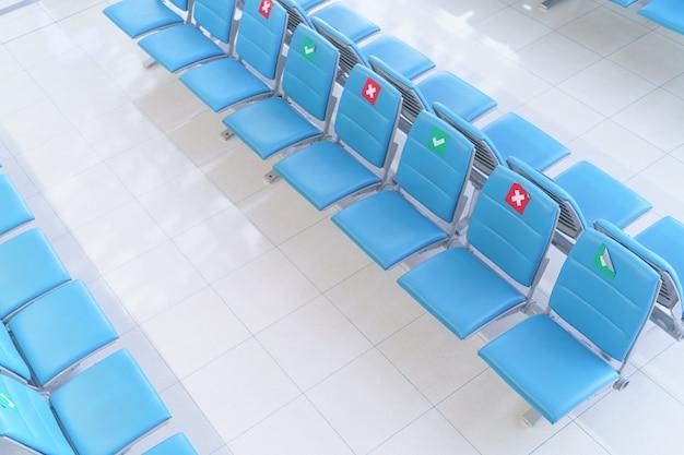 새로운 정상 현대 생활 방식 거리 유지 공공 장소, 상점, 항공사에서 covid 바이러스의 확산을 방지합니다. 사회적 거리를 유지하고 거리를 유지하십시오.