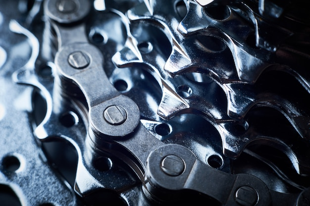 Новая задняя кассета для горных велосипедов с цепью крупным планом