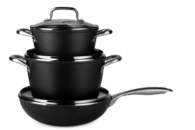 Новый набор черной посуды, изолированные на белом