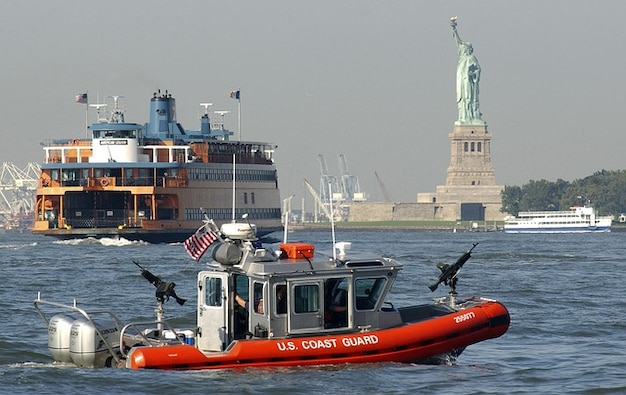 New statue city ship york boats liberty