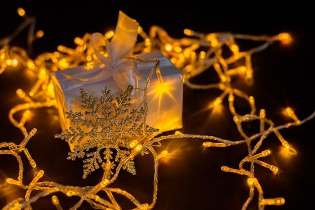 Новогодние и рождественские украшения Premium Фотографии