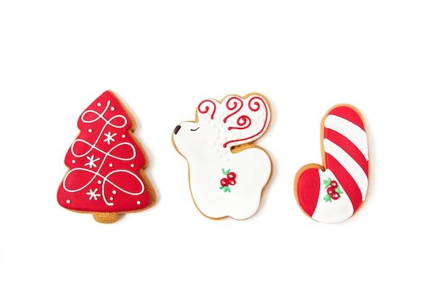 新年とクリスマスのジンジャーブレッドクッキー。木の形と鹿。上面図