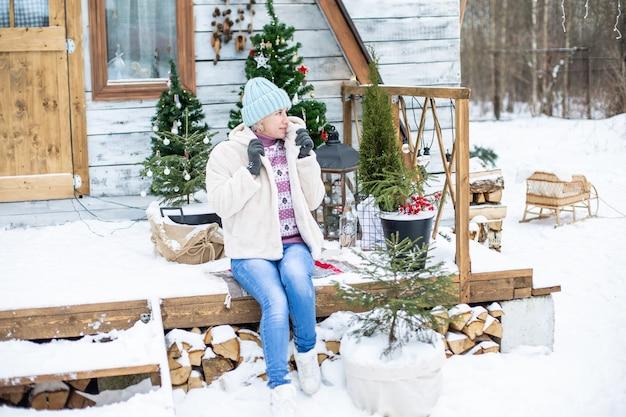 Новогоднее и рождественское украшение освещения. фото высокого качества