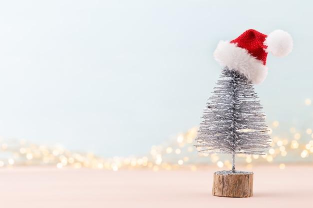 Празднование нового года и елка предпосылки рождества и вид сверху украшения шариков рождества.