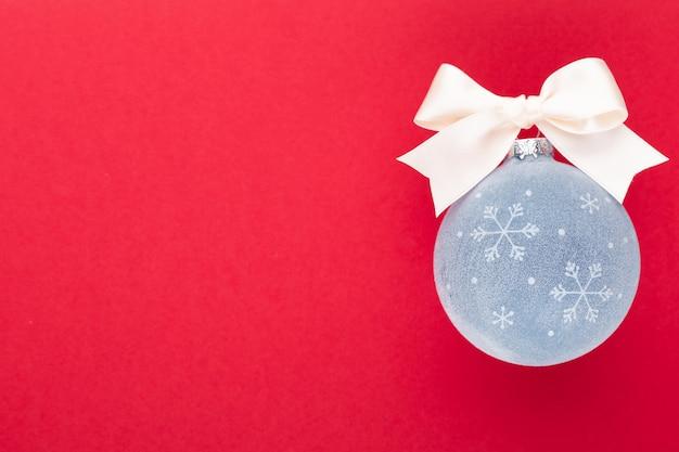 Новый год, рождество с синими елочными шарами blue