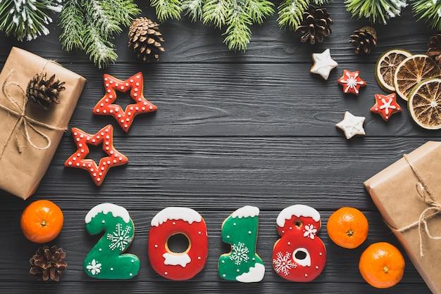 Концепция нового года с декоративными элементами