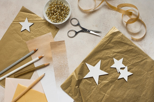 New year crafting decorations time