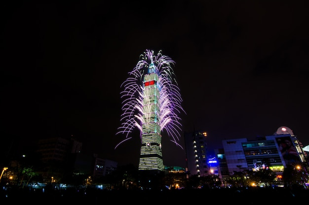 New year fireworks of taipei 101 at night time to celebrate happy new year