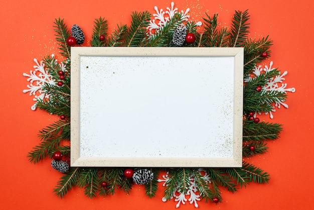 Новогодняя или рождественская рамка с пространством для текста
