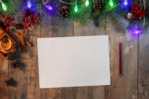 お正月やクリスマスのグリーティングカード。サンタへの手紙、計画と目標のリスト