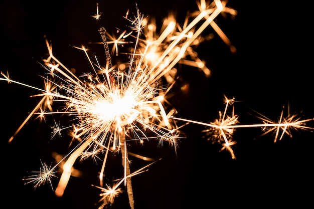 Новогодняя вечеринка с фейерверком