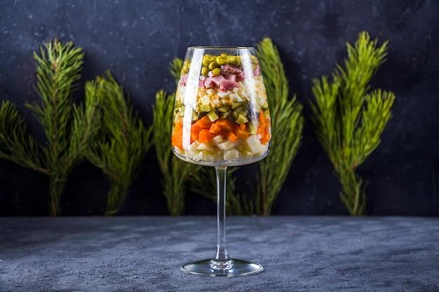 Новогодний русский салат зима или оливия